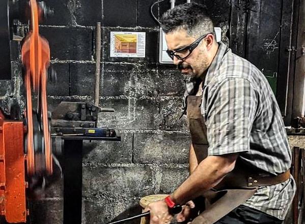 Alberto Castro, de Cuchillos A. Castro: «O mundo da coitelaría é moi complexo»