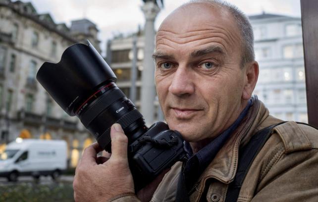 """Peter Schneider: """"A fotografía analóxica é un proceso máxico"""""""